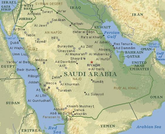 Карта Саудовской Аравии. Коричневым цветом здесь подписаны две самые знаменитые пустыни страны — Аль-Руб Аль-Хали (RUB AL KHALI) и Нафуд (AN NAFUD). А между ними расположилась природно-историческая область Недж (NAJAD), откуда началось государство саудитов. Также мы видим на карте область Хиджаз (AL HIJAZ) с городами Мекка (Mecca) и Медина (Medina). После объединения Неджа с Хиджазом и возникает Саудовская Аравия. Недж и Хиджаз ныне никак не отражены на современной административной карте Саудовской Аравии. Поэтому они также обозначены на карте коричневым цветом как природные и исторические области. А вот провинции Хаиль повезло больше. Она уцелела <i>яйцами</i> как административное образование во главе с сохранившим такое же название провинциальным центром. А ведь Хаиль был, наряду с Хиджазом, злейшим врагом правящего дома саудитов. Город Хаиль (Hail) можно найти в верхней части этой карты.